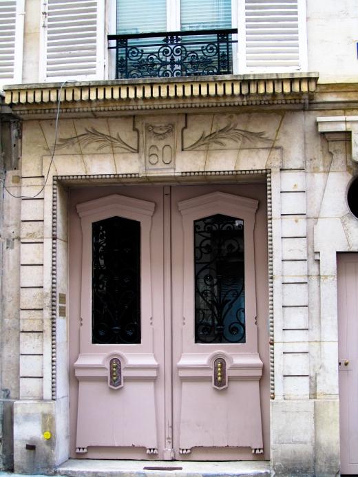 paris pink door