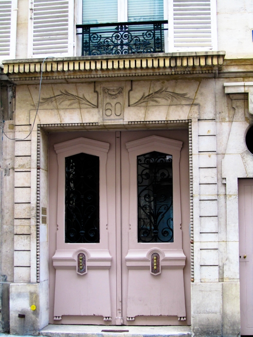 paris pink door