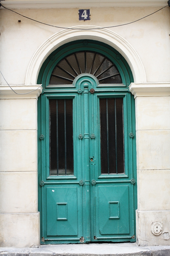 paris green door