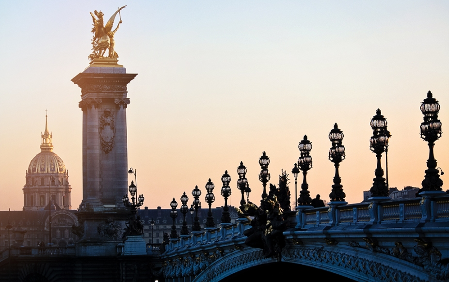 pont alexandre at sunset