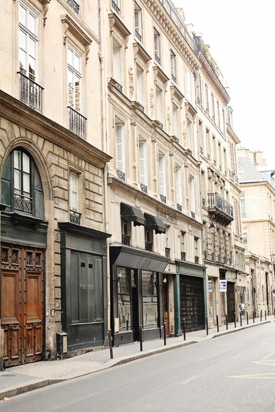 paris empty street