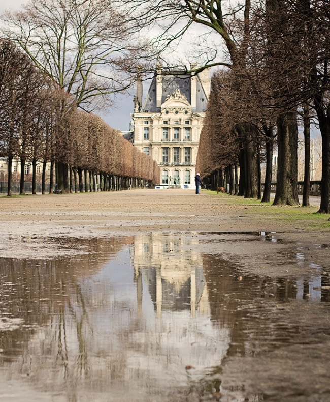 louvre reflection paris