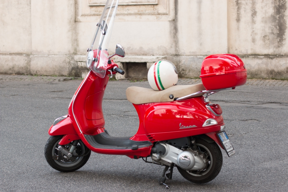 red vespa | Rebecca Plotnick Photography